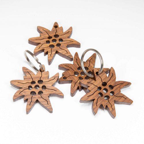 Schlüsselanhänger aus Holz Edelweiß   Allgäu Deko